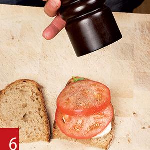 Фото №11 - Маслом внутрь! 4 самых простых мужских сэндвича
