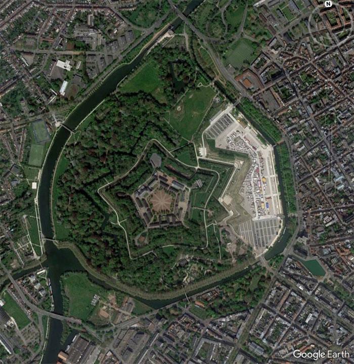 Фото №18 - 20 необычных мест, найденных на Google Earth