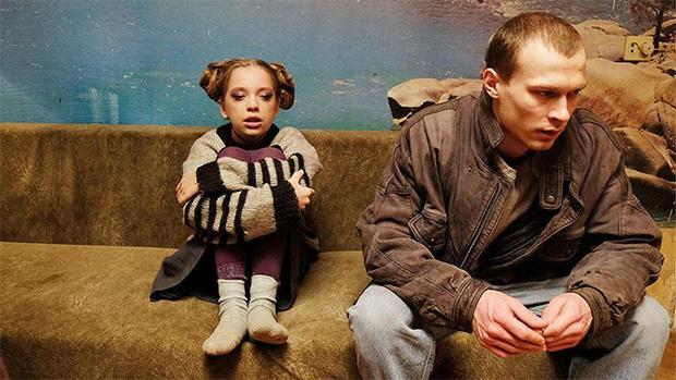 Фото №9 - Пересказ сюжетов всех фильмов-победителей «Кинотавра» за последние 20 лет одной фразой