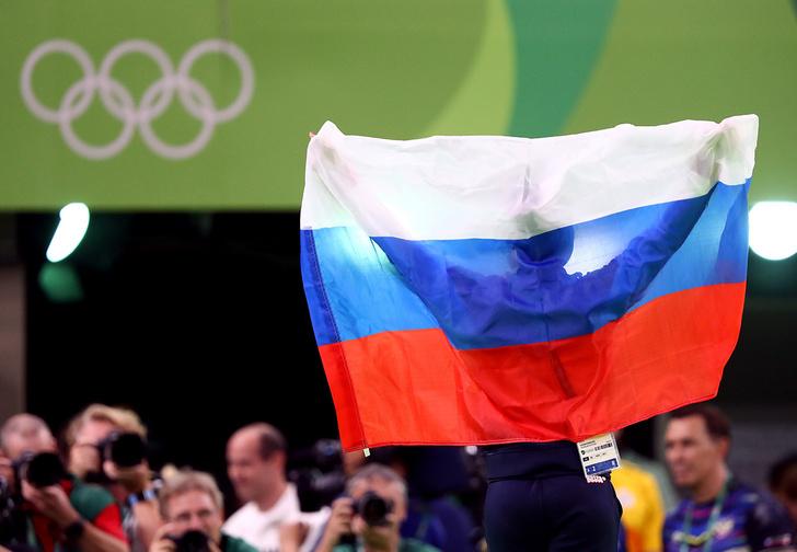 Фото №1 - МОК разрешил нашей стране российский флаг на Олимпиаде! Как это было