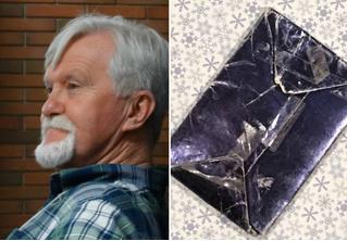 Мужчина 47 лет не открывает подарок от девушки, которая его бросила