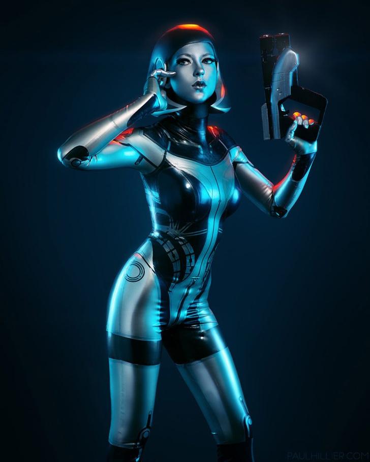 Фото №4 - Самый сексуальный косплей героини игры Mass Effect