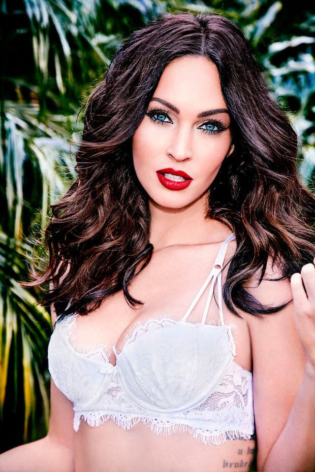 Фото №2 - Соблазнительная Меган Фокс в рекламе нижнего белья