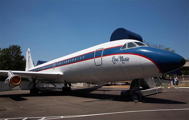 Фото №24 - 25 самолетов и автобусов рок-звезд