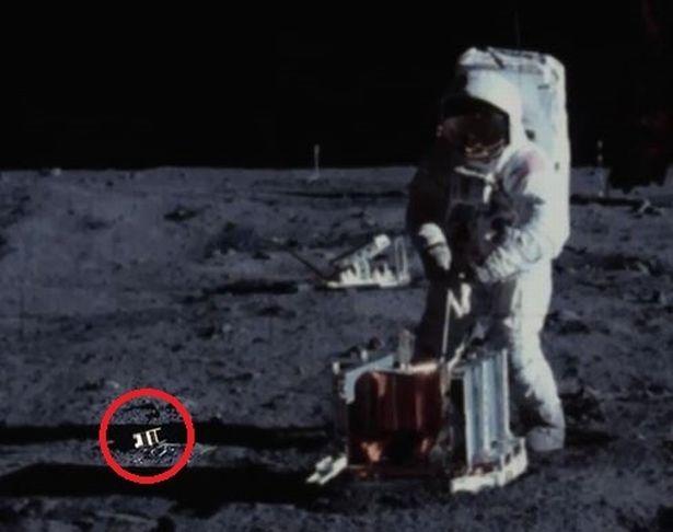 Фото №3 - Оказывается, США оставили на Луне не только американский, но и британский флаг