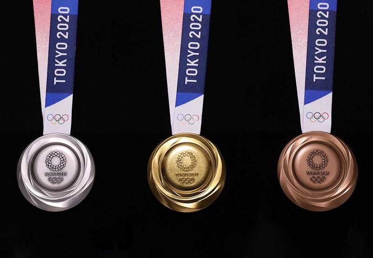 Фото №1 - В Токио показали медали, которые сделалали из переработанных гаджетов к Олимпиаде-2020