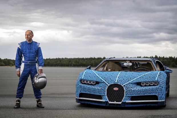 Фото №3 - Миллион деталей и десять месяцев: как собирали Bugatti Chiron из кубиков Lego