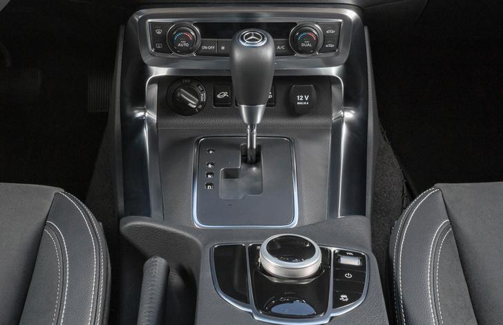 Фото №9 - Приехали: Mercedes-Benz представил пикап