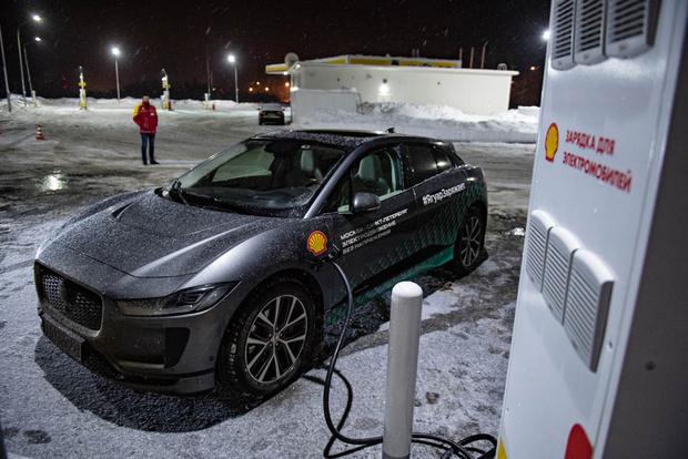 Фото №4 - Электричкой из Москвы до Питера на чистой энергии Jaguar I-Pace