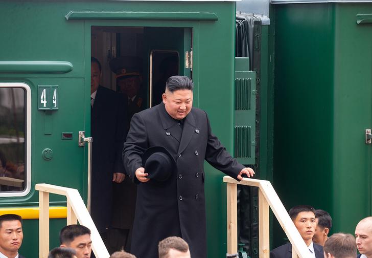 Фото №1 - Лучшие шутки про визит Ким Чен Ына в Россию