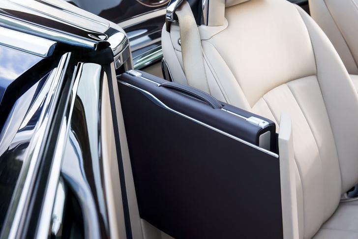 Фото №15 - Самый дорогой в мире Rolls-Royce построили для таинственного коллекционера