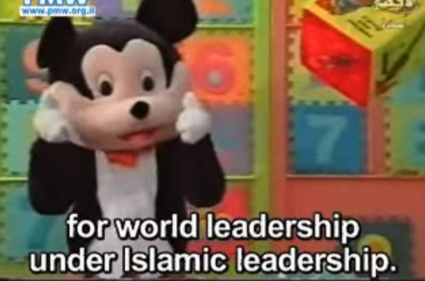 Фото №2 - Детская передача «Улица Сезам» пополнилась персонажем, исповедующим ислам