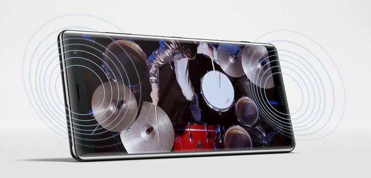 Фото №3 - Любовь с первого использования: Xperia XZ3 скоро поступит в продажу