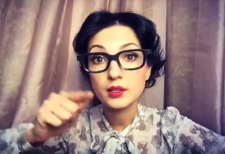 Фото №4 - Красивая и смешная! Питерская актриса Евгения Свиридова сразила нас веселыми видео и ямочками