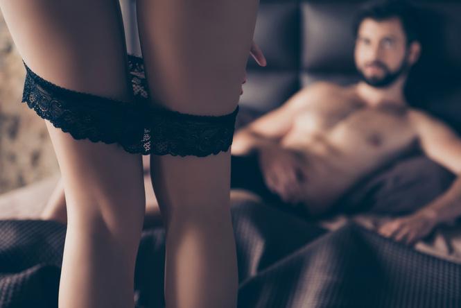 В парах с яркой интимной жизнью партнеры чаще изменяют друг другу