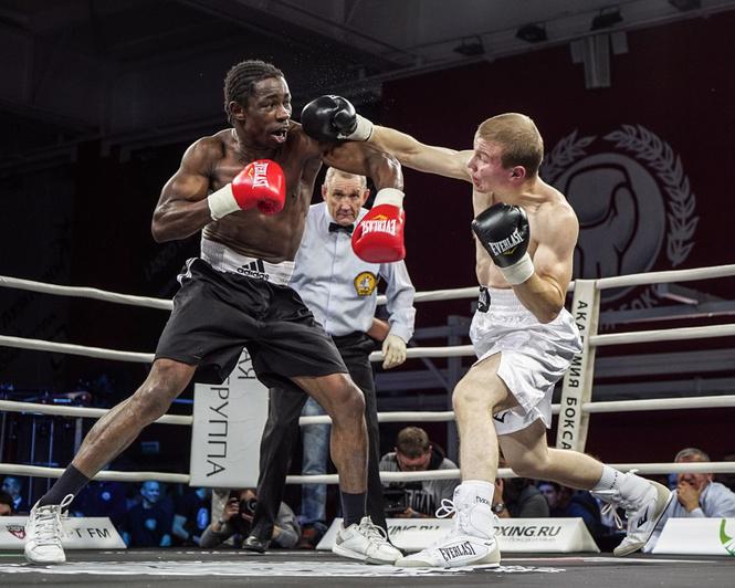 Академия бокса отметила пятницу, 13-е, по-мужски
