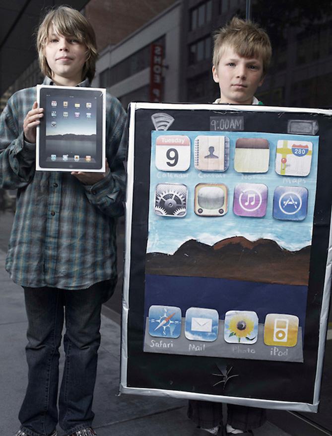 Фото №3 - Самые нелепые примеры косплея iPhone в истории!
