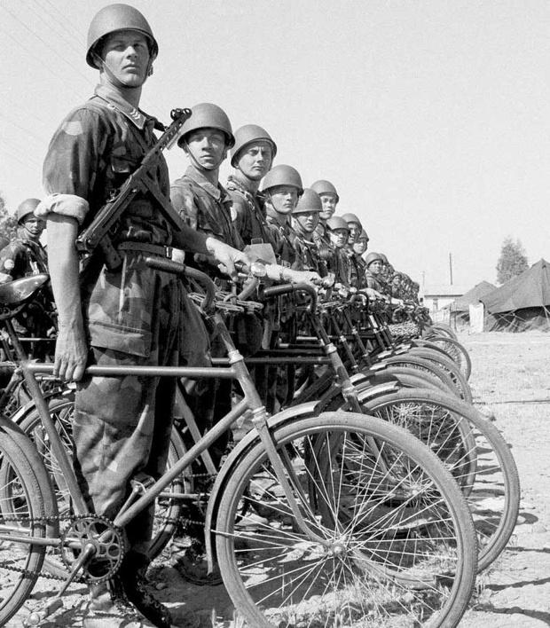 Фото №44 - Непридуманная история велосипедных войск