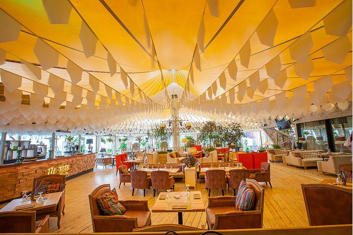 Фото №2 - Ресторан Shakti Terrace: открытие летней веранды
