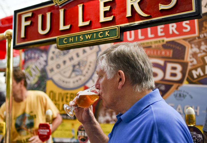 Фото №1 - На британском фестивале пива запретили напитки с сексистскими названиями и пин-апом в оформлении