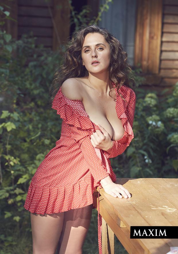 Фото №5 - Дачные удовольствия: наша загородная фотосессия актрисы Марии Шумаковой