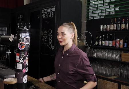 Все о крафтовом пиве из уст профессионалов — в новом выпуске «По барам»