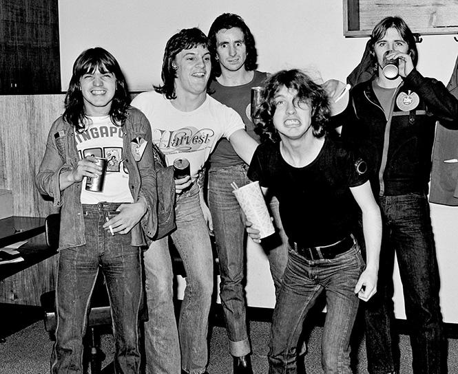 Фото №3 - 38 баек о происхождении названий рок-групп