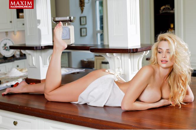 Татьяна Котова в очередной раз появилась обнаженной на страницах журнала Maxim