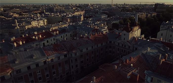 Фото №1 - Piter by КАСТА: интригующий трейлер нового фильма от легендарной рэп-группы