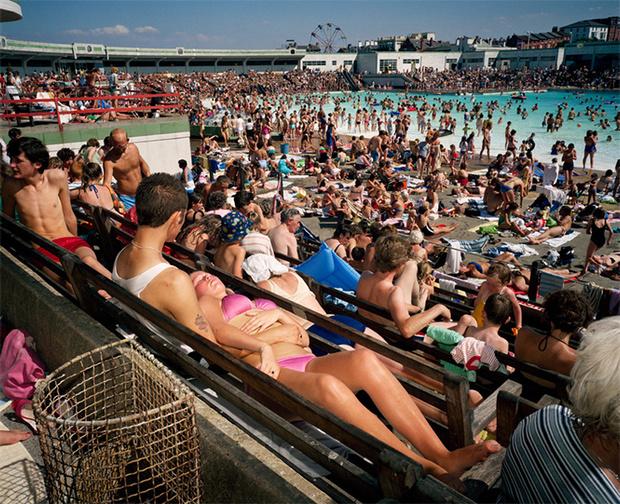 Фото №12 - Обычный туристический ад: фотографии английского курорта в 80-е