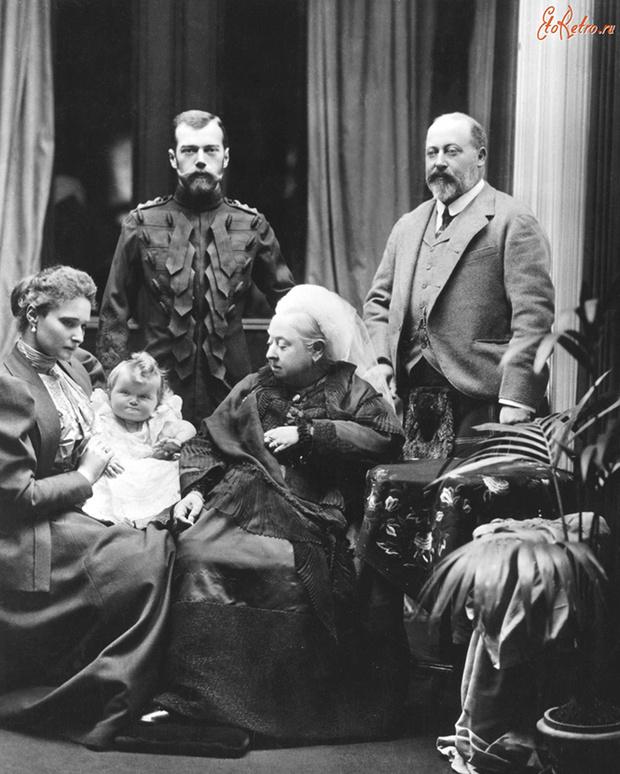 Королева Виктория, Эдуард VII, Николай II и Александра Федоровна с дочерью
