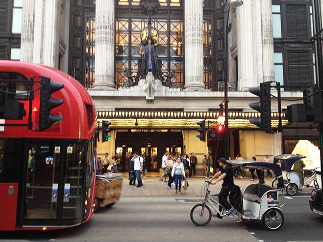 Selfridges, Лондон