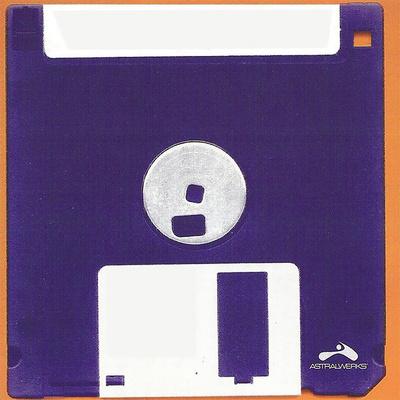 Фото №14 - Тест на интуицию: угадай стиль музыки по обложке диска