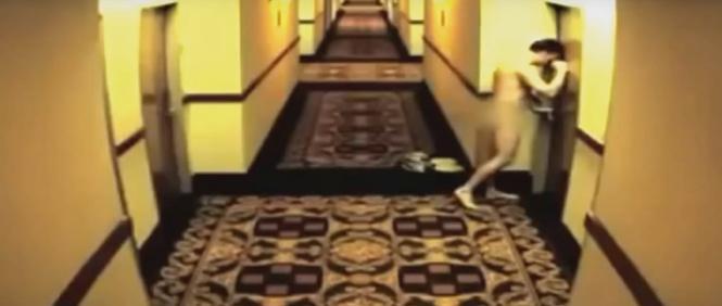 Мужчина прошелся голышом через весь отель из-за захлопнувшейся двери номера