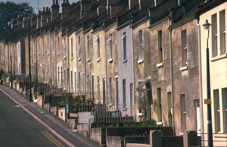 Фото №2 - История о печальном опыте реновации жилья в Англии