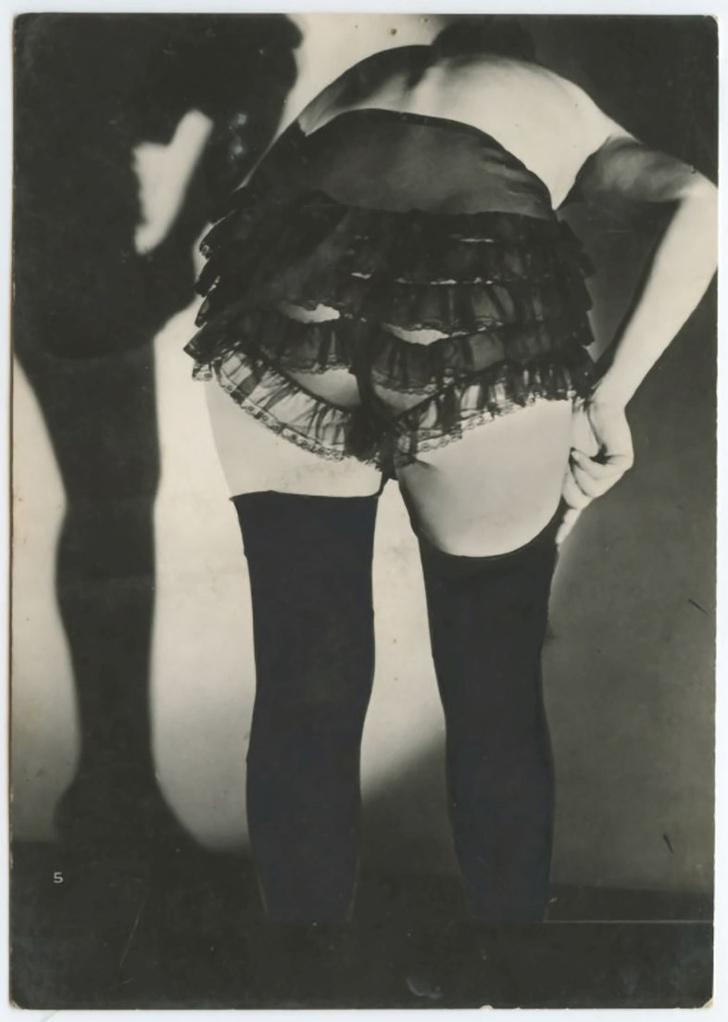 Фото №3 - Реклама фетишистского нижнего белья 1920-х годов