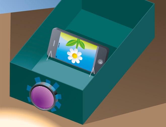 Как из коробки и телефона сделать проектор