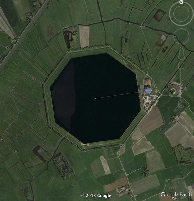 Фото №13 - 20 необычных мест, найденных на Google Earth