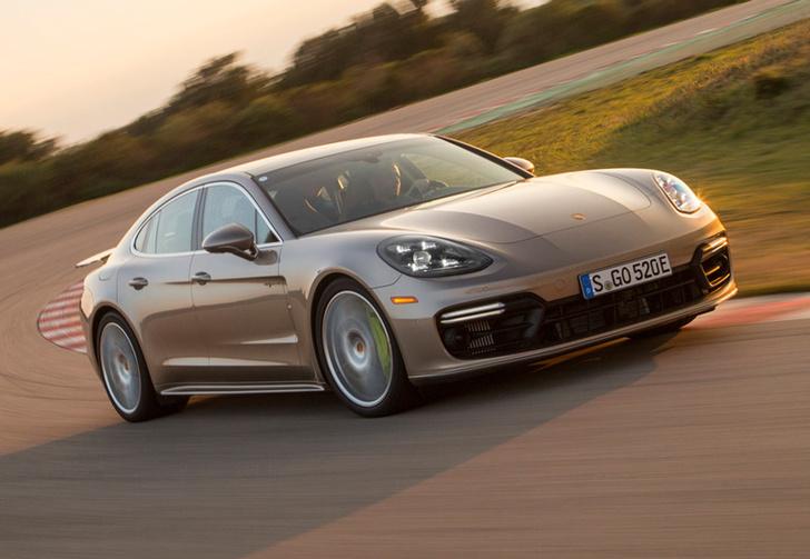 Фото №1 - Самый крутой гибрид в мире: Porsche Panamera Turbo S E-Hybrid