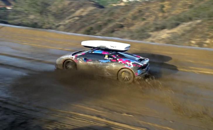 Фото №3 - Смотри, как Lamborghini задорно барахтается в глине. Грязное видео!