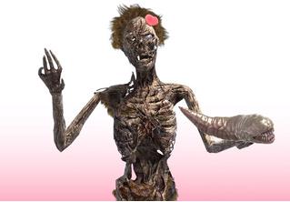 Один из самых популярных видеоблогеров в Японии — полусгнивший зомби (видео)