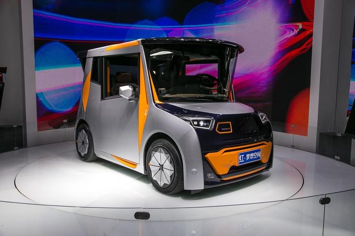 Фото №1 - Самый странный автомобиль готовится к старту продаж в 2020! (ВИДЕО)
