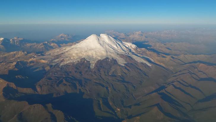 Фото №5 - Совершен рекордный перелет через Эльбрус на тепловом аэростате