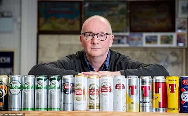 Фото №2 - Британец потратил большую часть жизни на коллекционирование банок и получил титул самого скучного человека в стране