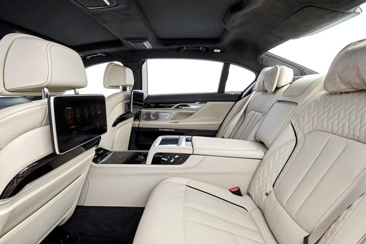 Фото №5 - BMW M760Li xDrive: 12 цилиндров седьмой серии