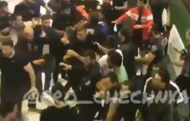 Фото №1 - Турнир по джиу-джитсу на Кавказе обернулся массовой дракой. Даже судьи приложили руку (видео)