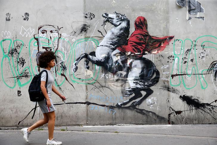 Фото №7 - В Париже появились новые работы Бэнкси!