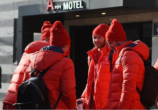 Русские хоккеисты-миллионеры живут в Корее впятером в одном номере!