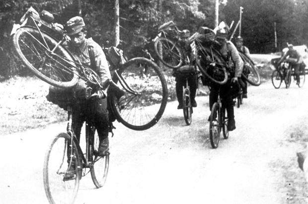 Фото №35 - Непридуманная история велосипедных войск