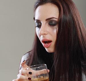 5 признаков, что твоей девушке хватит пить